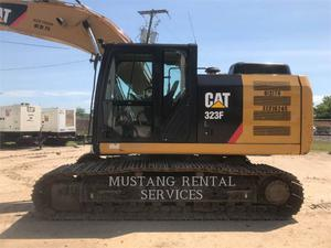 Caterpillar 323, Construction
