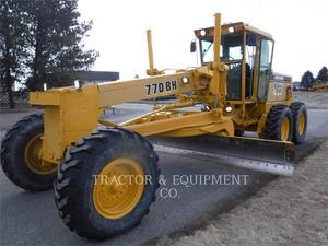 John Deere 770BH, Construction