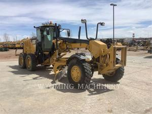 Caterpillar 12M2 AWD, Construction