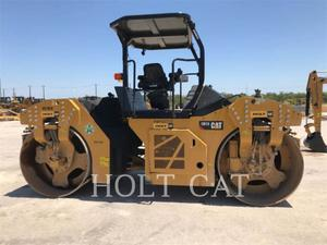 Caterpillar CB13, Construction